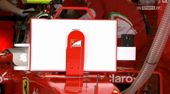 Echipa de Formula 1 Ferrari foloseşte un Microsoft Lumia 950 XL pentru teste