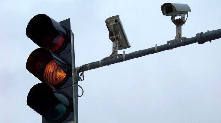 Institutul pentru siguranța rutieră susține camerele pentru semafoare, spune că poate salva mii de vieți