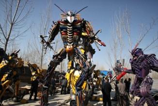 Clip YouTube cu un robot Transformers Citroen C2 REAL!