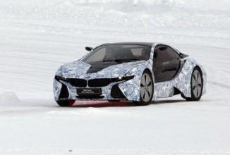 BMW i8 surprins în acţiune în zăpadă, în imagini noi (spy shots)