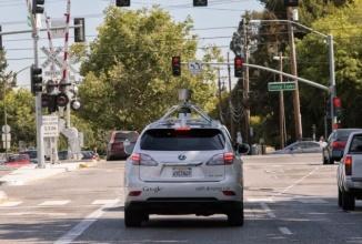 Google îşi dezvăluie arhivele oficiale cu lista de accidente ale automobilului care se conduce singur