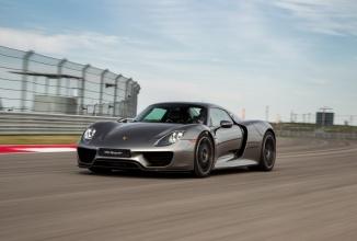 Porsche 918 Spyder îşi încheie producţia, după 918 unităţi hibrid produse