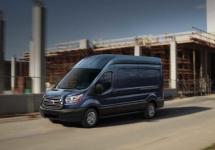 Ford actualizează seria de dubiţe Transit în ediţia 2016: titaniu, noi motorizări, scaune şi portiere
