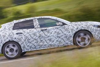 Infiniti confirmă modelul Q30 pentru prezentarea la Frankfurt Motor Show