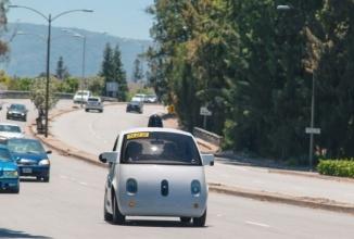 Noi automobile Google ce se conduc singure apar pe străzile din California
