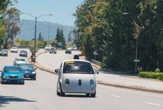 Aproape de accident: un automobil Google care se conduce singur a fost la un pas de ciocnire cu un automobil autonom Delphi