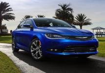 Chrysler aniversează 90 de ani de existenţă cu modele speciale Chrysler 200, 300, Town & Country