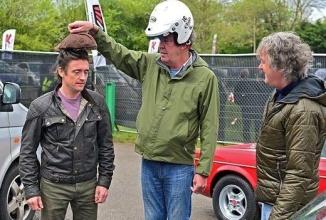 Jeremy Clarkson îşi exprimă regretele cu privire la plecarea de la Top Gear după difuzarea ultimului episod cu echipa veche