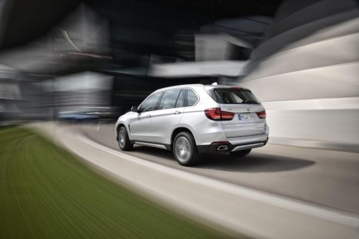 Imagini oficiale plugin BMW X5 xDrive40e