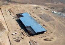 Tesla Motors îşi triplează numărul de proprietăţi deţinute în Nevada, pe măsură ce fabrica de baterii evoluează