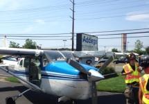 O aterizare de urgenţă pe o şosea din New Jersey a devenit virală după măiestria tehnică a pilotului (Video)