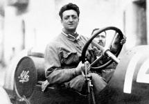 Un film biografic despre viața lui Enzo Ferrari ar putea intra în faza de producție