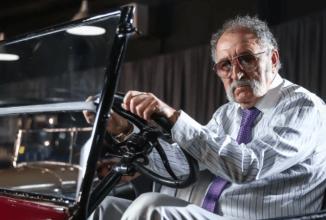 Ţiriac Collection aduce laolaltă automobile de colecţie şi bolizi; Iată cum a ajuns Ion Ţiriac de la pasiune la afacere