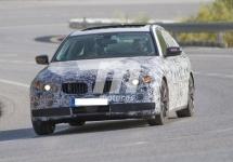 Mai mult decât un automobil: BMW Seria 5 2017 va veni cu funcţii de realitate augmentată şi şofat autonom (Video)