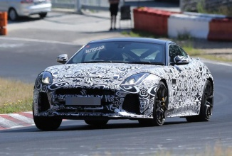 Jaguar F-Type SVR 2016 ni se dezvăluie în fotografii spion