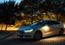 Ford dezvăluie o tehnologie a farurilor ce face mersul pe timp de noapte mult mai sigur