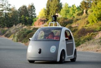 Marele plan al Google legat de maşinile autonome ar putea fi un serviciu gratuit de taximetrie, care ar distruge Uber