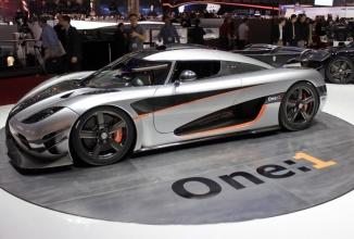 Koenigsegg One:1 doboară recordul de urcare de la 0 la 300 Km/h; Atinge viteza în doar 11.92 secunde în faţa camerei (Video)