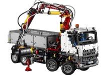 Mercedes şi LEGO colaborează pentru realizarea unui mega camion Lego Technic numit Arocs 3245