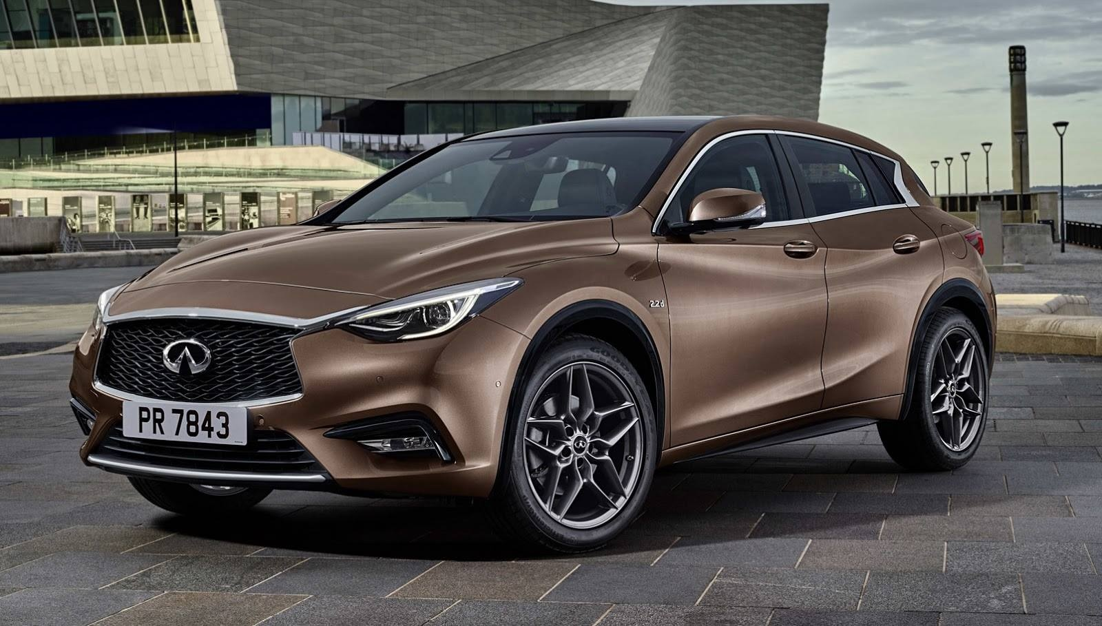 new-infiniti-q30-reveals-itself-in-first-official-photo-97987_1