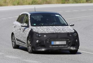 Hyundai ar putea pregăti o versiune Turbo pentru modelul i20; fotografii spion cu acesta sunt dezvăluite