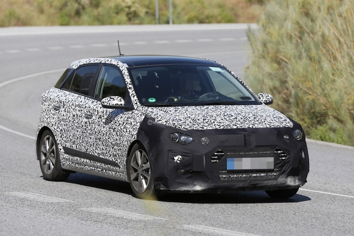 spyshots-could-this-be-the-upcoming-2016-hyundai-i20-turbo_2
