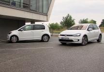 Volkswagen testează sistemele de parcare automată şi de încărcare pentru automobile electrice