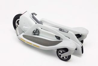 Volkswagen Last Mile Surfer este un scuter electric ce cântăreşte 11 kg şi va costa aproape 1000 de euro