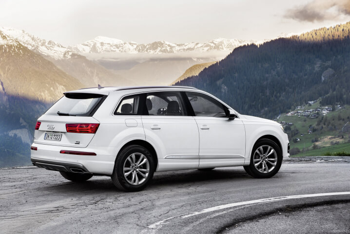2016-audi-q7-ultra-30-tdi-launched-with-218-hp-and-55-l-100km-consumption-98475_1