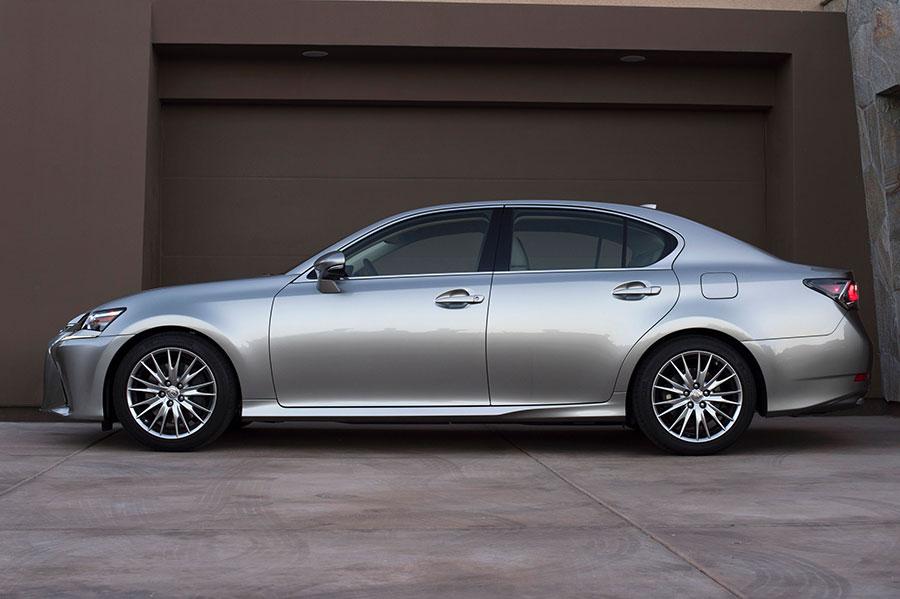 2016_Lexus_GS_200t_2