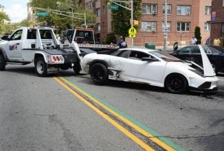 O copie de Lamborghini Murcielago este implicată într-un accident; șoferul de 19 ani consumase marijuana