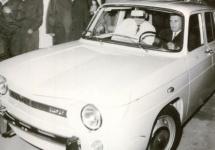 Prima Dacia 1100 a împlinit 47 de ani; Ieşea pe poarta uzinei cu Ceauşescu la volan