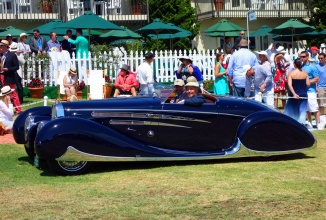"""Un Bugatti de epocă din 1939 primeşte Cupa Franceză la Pebble Beach; Vine direct din colecţia """"prinţului Persiei"""""""