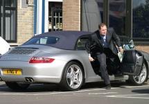 Un om de afaceri fentează amenzile pentru parcare timp de 5 ani, folosind plăcuţe de înmatriculare false în UK