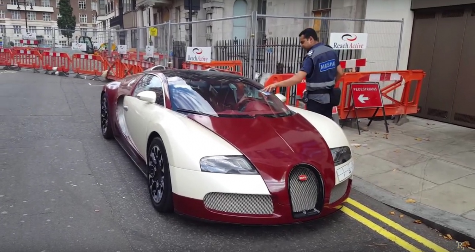 bugatti-veyron-gets-parking-ticket-in-london-video-99153_1