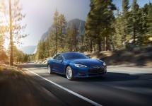Tesla începe testarea funcției auto-pilot pentru Model S; iată un video demonstrativ