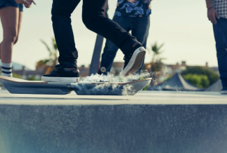"""Lexus prezintă incredibilul Hoverboard: """"placa"""" plutitoare devine din SF realitate (Video)"""