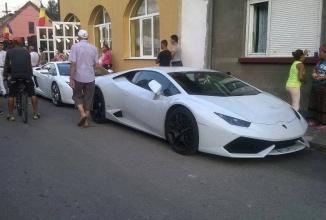 Bine aţi venit la Hollywood, aka Petroşani, unde Lamborghini-urile au împânzit oraşul la o nuntă a rromilor