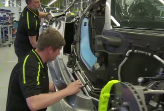 Iată cum se fabrică Porsche 918 Spyder: o ediţie limitată asamblată manual (Video)