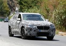 Fotografii spion cu BMW X1 F48 în varianta cu 7 locuri ne sunt dezvăluite