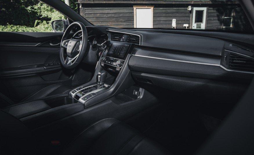 2016-Honda-Civic-Touring-126-876x535