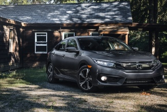 Honda Civic 2016 anunţată oficial: sedanul clasic a revenit, mai modern ca oricând