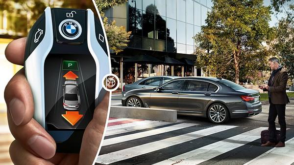 7-series-sedan-functionality-remote-parking-03