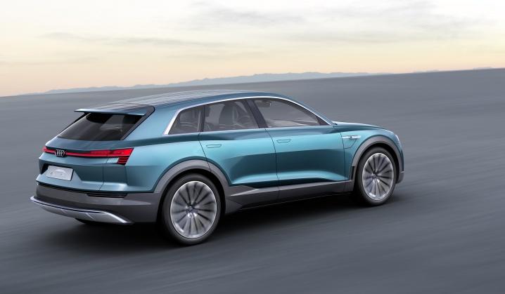 Audi E-Tron Quattro Concept (9)