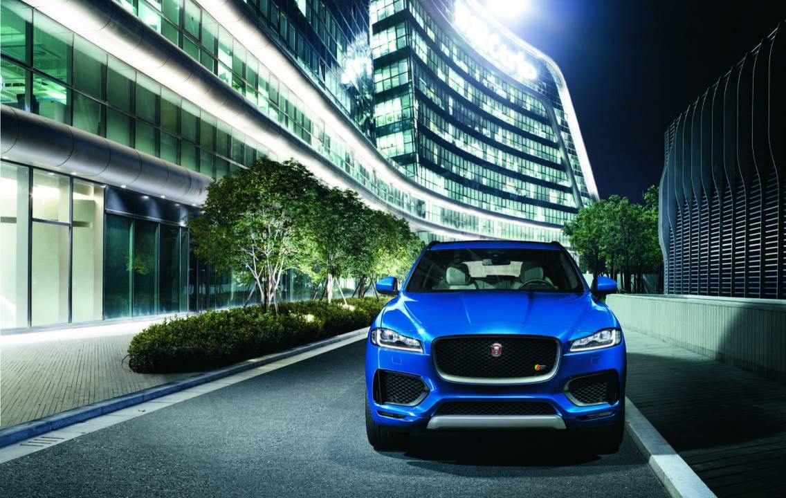 Jag_FPACE_LE_S_Urban_Image_140915_01_116305-1136x720