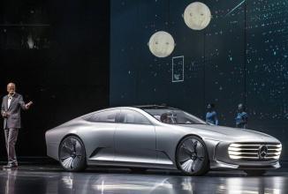 Mercedes ia în calcul posibilitatea lansării unei limuzine autonome pe post de taxi
