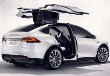 Primele automobile Tesla Model X vor fi livrate începând din 29 septembrie