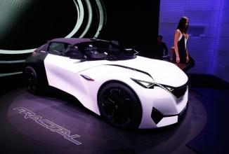 Frankfurt Motor Show 2015: Peugeot Fractal este un concept angular şi foarte arătos, care pare a combina un BMW cu un Smart