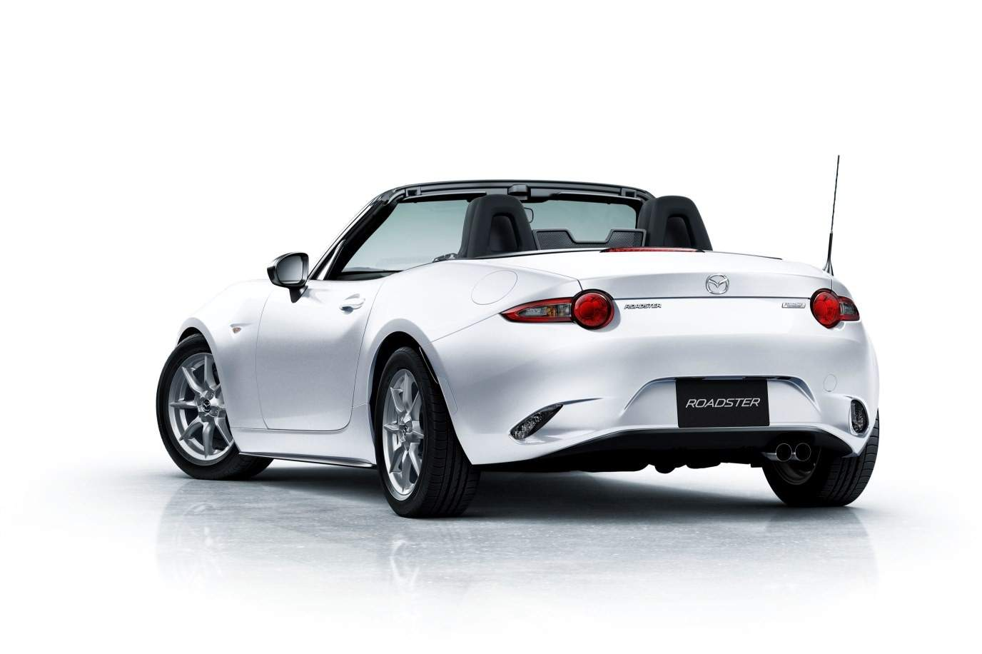 mazda-unveils-roadster-nr-a-and-mazda2-15mb-in-japan-both-aimed-at-driving-enthusiasts_7