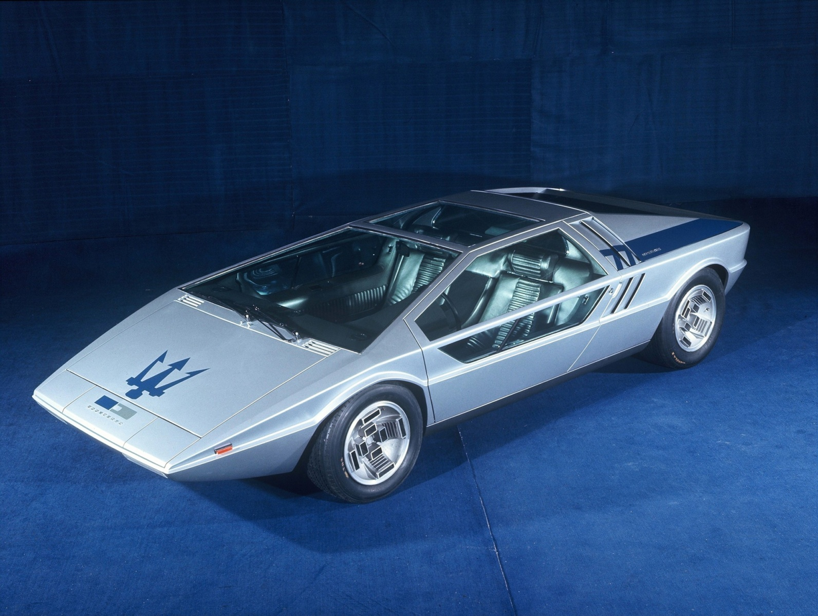one-of-a-kind-maserati-boomerang-sold-for-376-million-less-than-initially-estimated_3